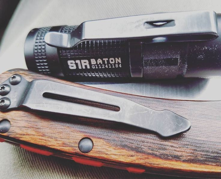 Benchmade - Nominated by samson_dubv for the #justtheclipchallenge . My #olights1r and #benchmadecrookedriver are up for the challenge! . . . #edc #everydaycarry...