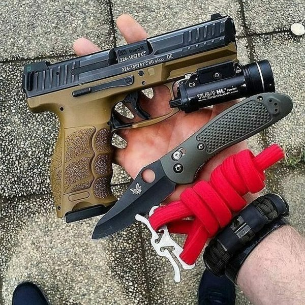 Benchmade - Hand dump with a wearable survival kit by superessestraps Carry by tactical_carpenter_ ・・・ Taking my princess on a daddy daughter date night. Always be...
