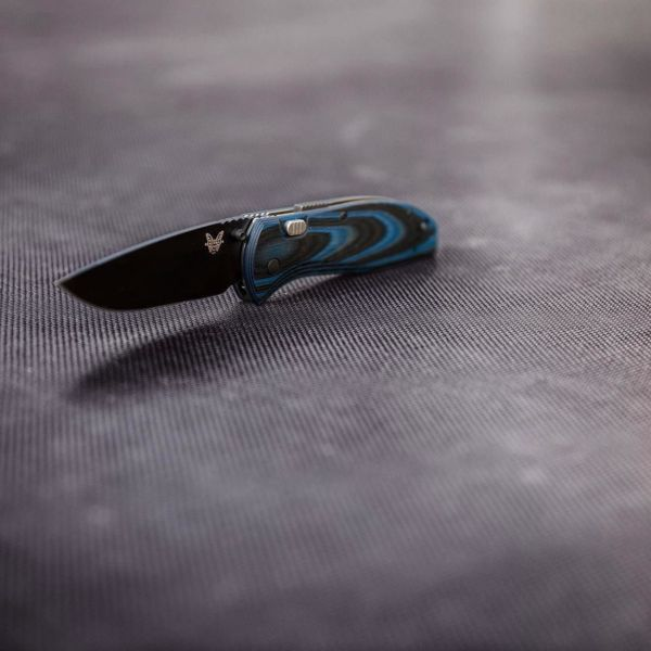 Benchmade - Black and blue benchmadeknifecompany 665 knife . . . . #benchmadeknifecompany #benchmade #mybenchmade #knife #knifenut #knifefanatics #knifestagram #tactical...