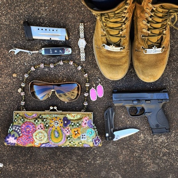 benchmade - Even when I go all girl, I still wear my bootcampaign boots.✌️ #pocketdumpday #pursedump #pewpew #SHIELD #SmithandWesson #Benchmade #MauiJim #MandP #9mm...