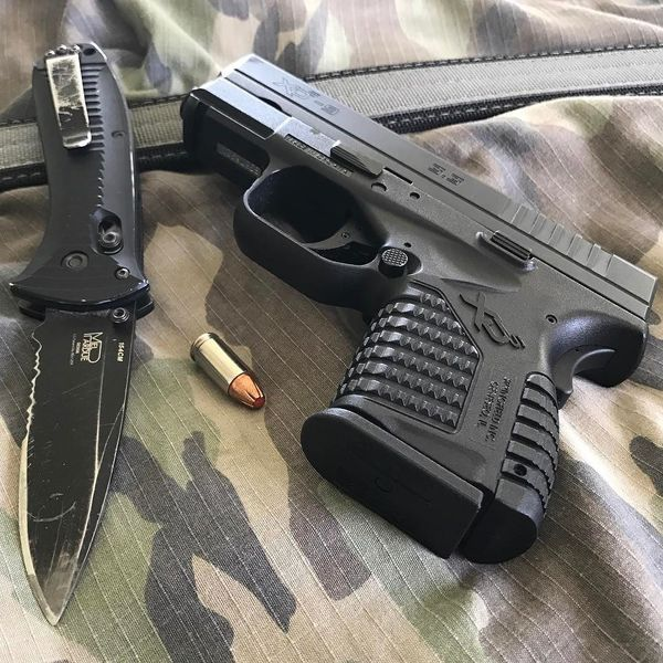 Benchmade - Springfield XDs with a Benchmade Presidio and a Lunar Concepts Everyday Ally. #springfieldarmory #springfieldxds #xds #9mm #hornady #benchmade...